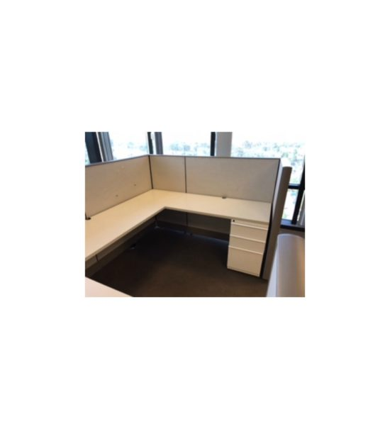 """Knoll Dividends 8'x6'x50""""H Cubicle Workstations Gently Used"""